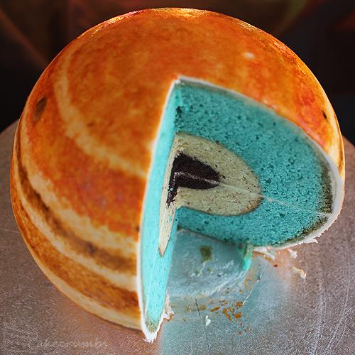 Cakecrumbs Rhiannon Planet cake