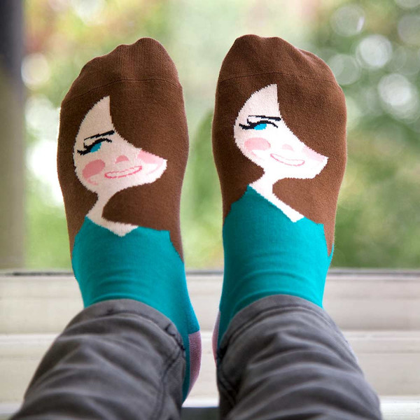 Unusual-Gift-Kate-Middle-Toe-Socks-ChattyFeet_grande