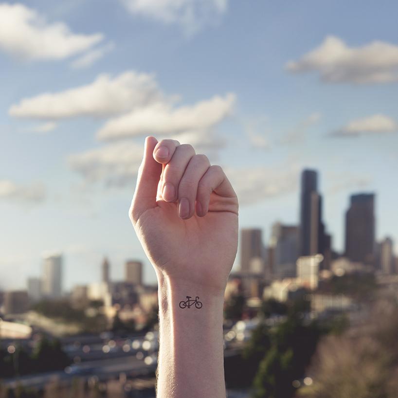 austin-tott-compares-tiny-tattoos-06