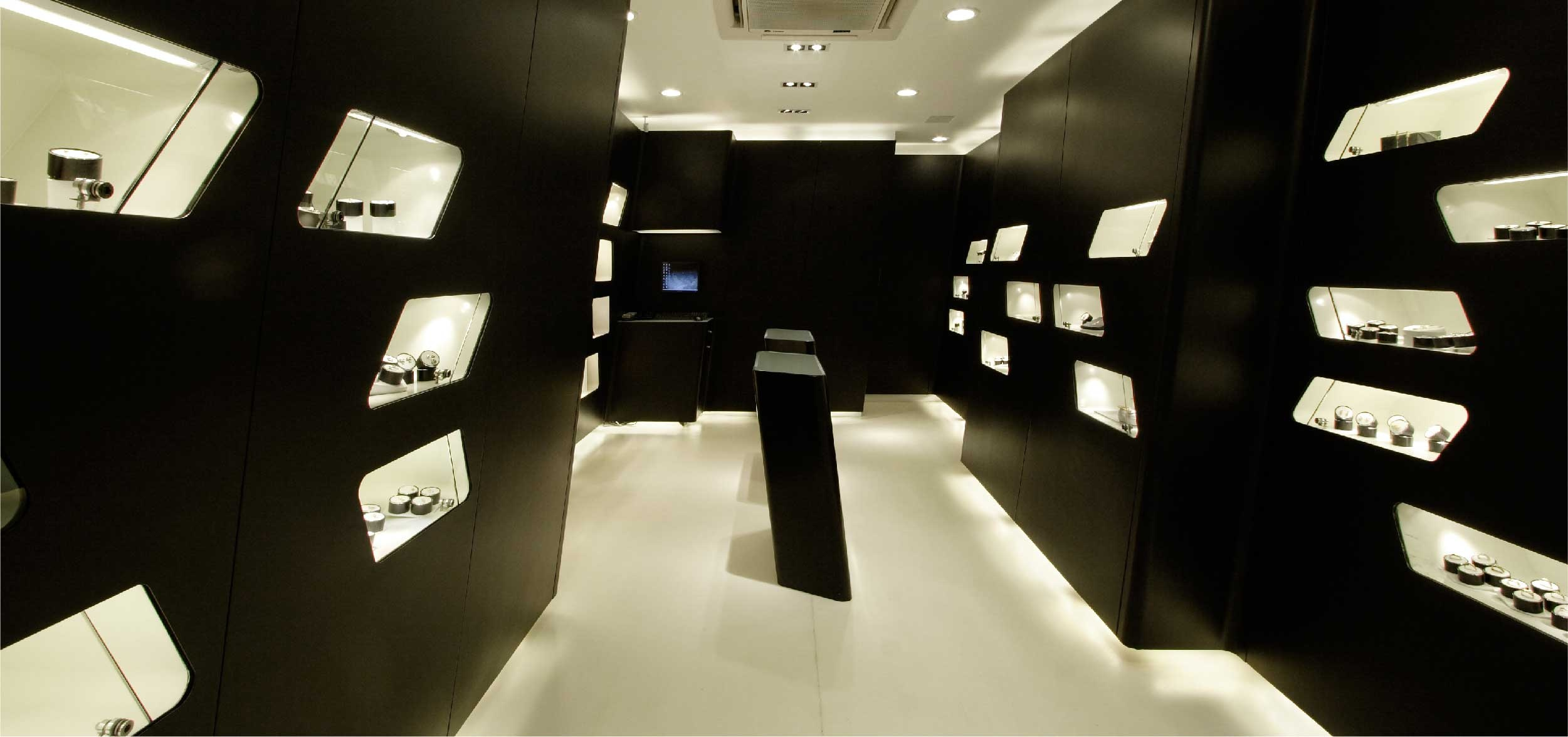 Retail design for accessory brand Carbon's 7th store