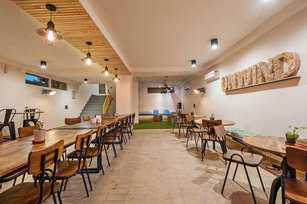 Studio Wood Cafeteria