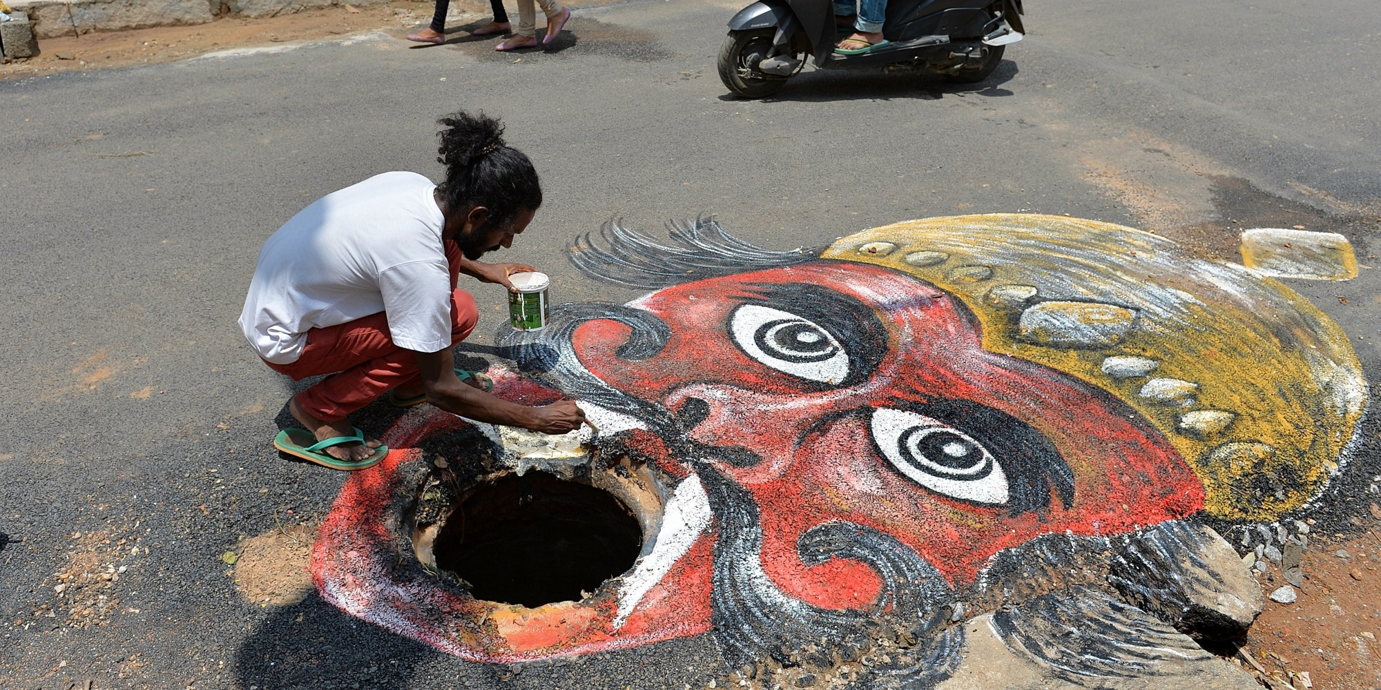 INDIA-ART-ROAD-AWARENESS