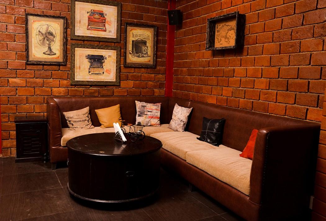 Moonshine Cafe & Bar 2