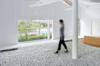 Ceramic walkable surface