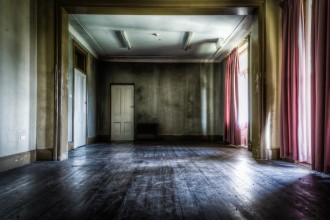 lostcollective_photography_Chaplins-Office-1050x695