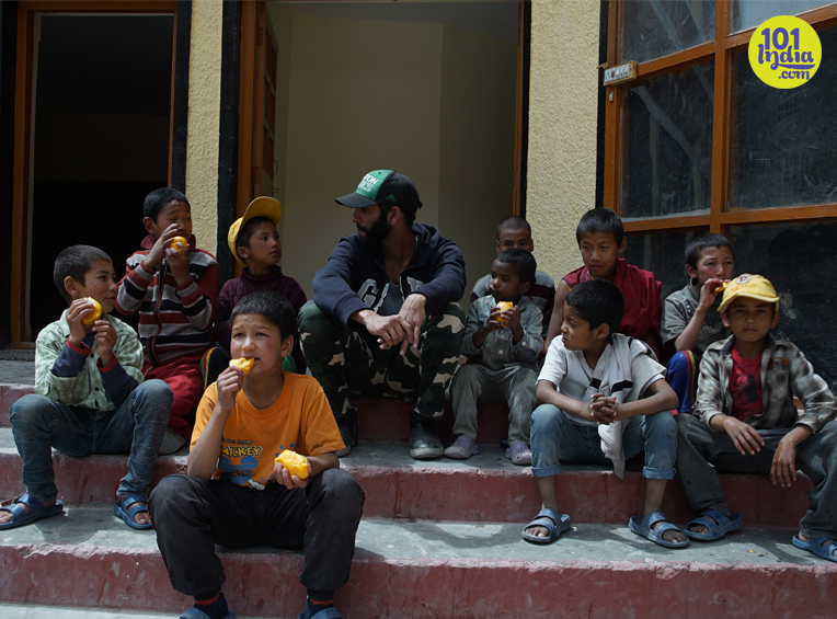 inline-4-lunch-with-the-kids-at-school-within-the-monastery