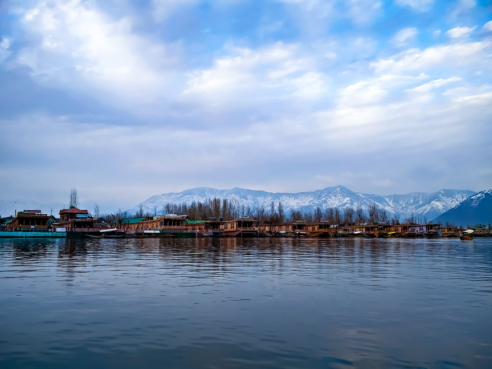 Khyber Himalayan Resort & Spa, Srinagar: A Review